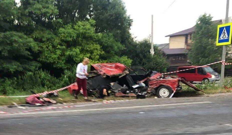 В аварії загинуло двоє людей.