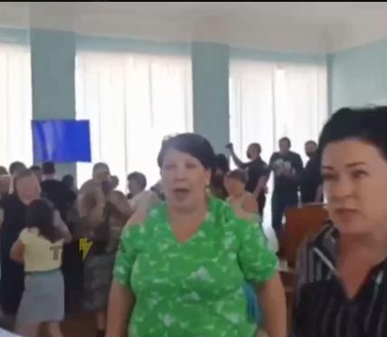 Депутати Куп'янська не змогли узгодити перейменування шкіл у ліцеї і гімназії