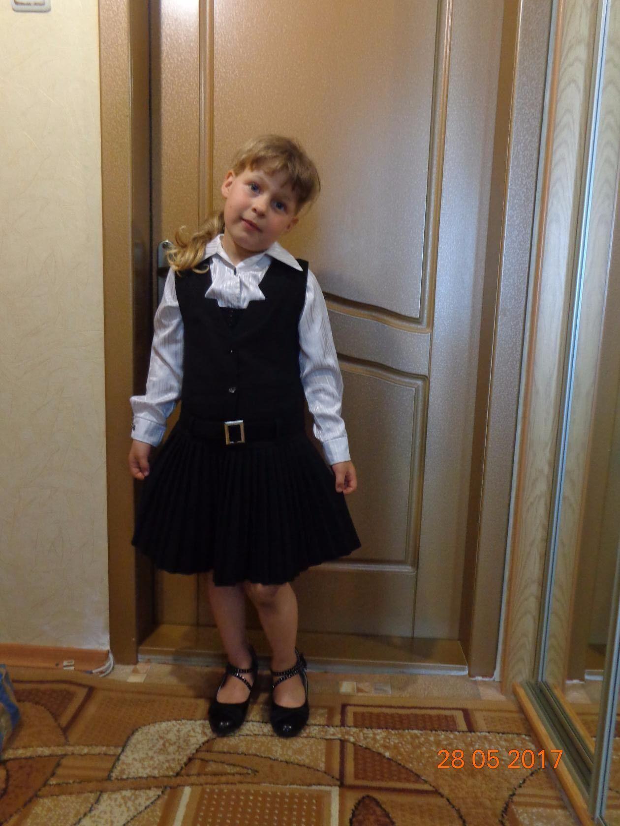 Аня вирушає до школи